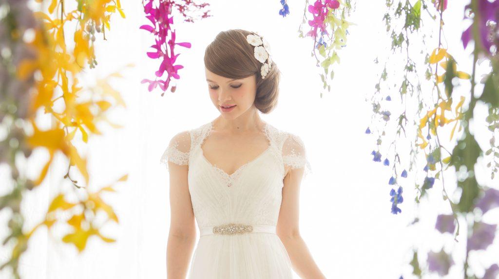 春 結婚式 ドレス