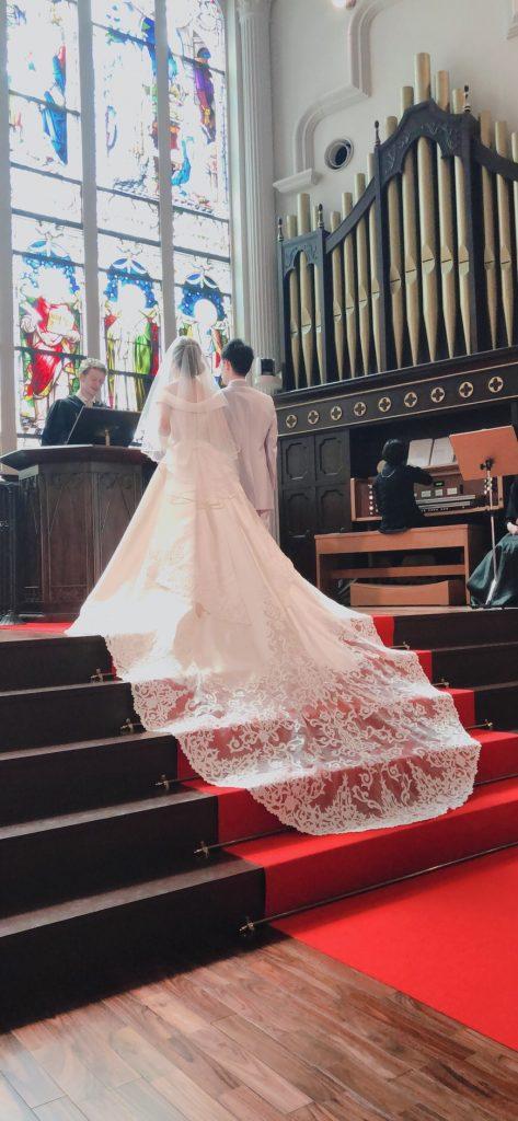 プロポーズ 結婚式 サプライズ チャペル